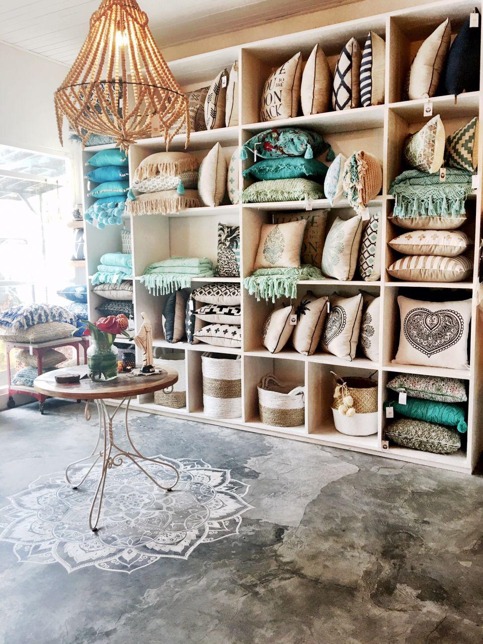 Bungalow living bali interiors for Cheap homeware decor