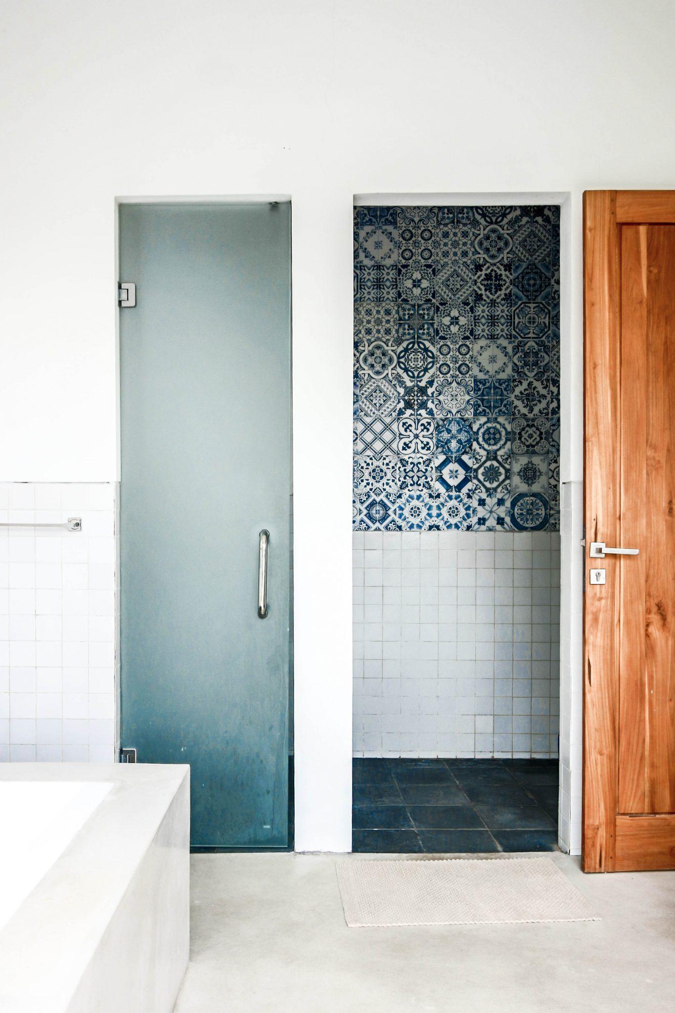 BALI INTERIORS BATHROOM
