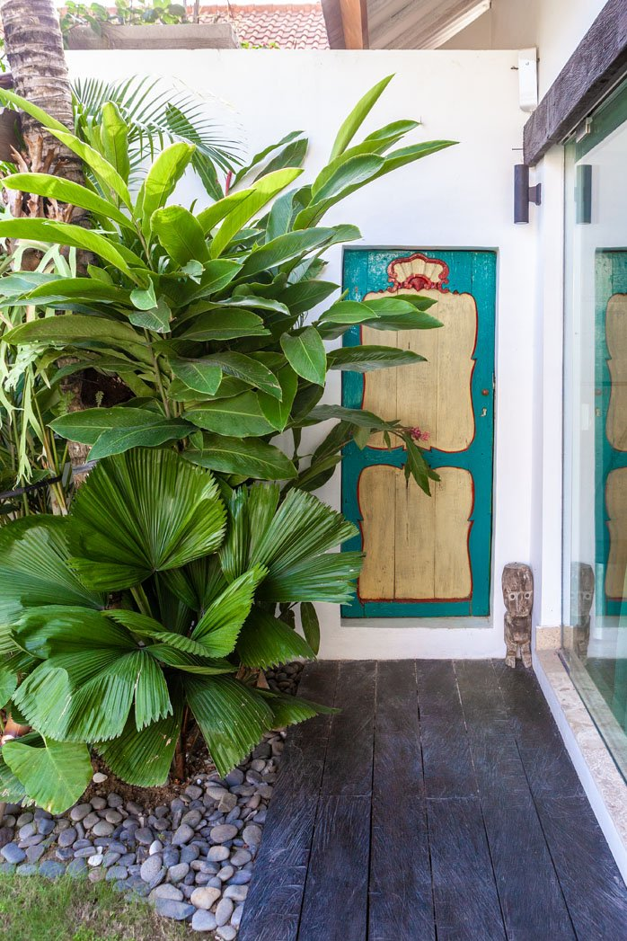 BEYOND BUNGALOWS - A NEW KIND OF BOUTIQUE HOTEL   Bali Interiors