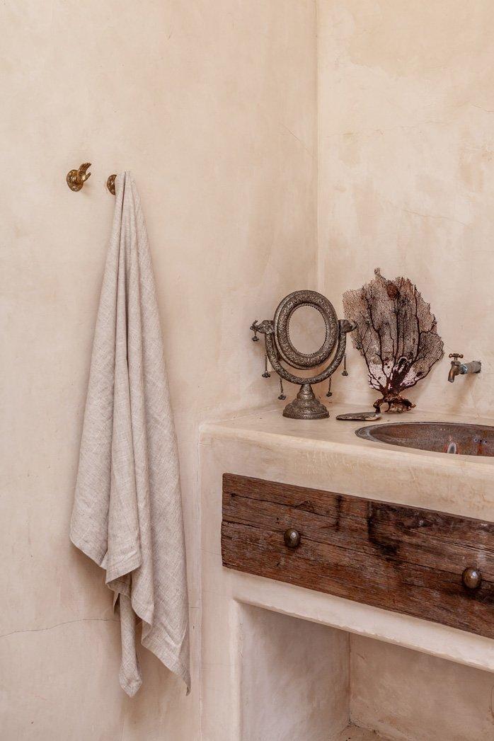Bali Interiors - Sleeping Culture -bathroom