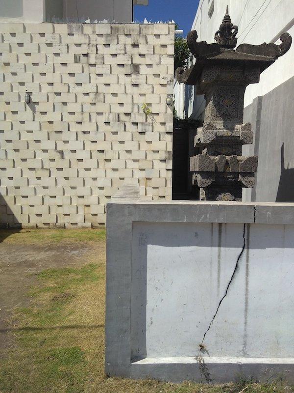 Bali Interiors Build Diary 11 house cracks