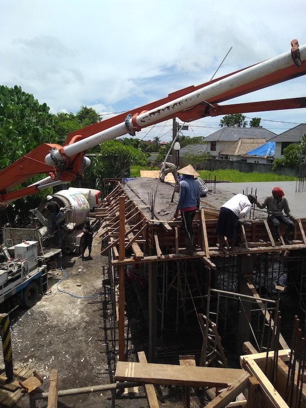 Bali Interiors Build diary 18 workers on roof